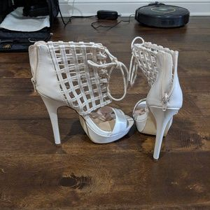 Shoedazzle white stillettos
